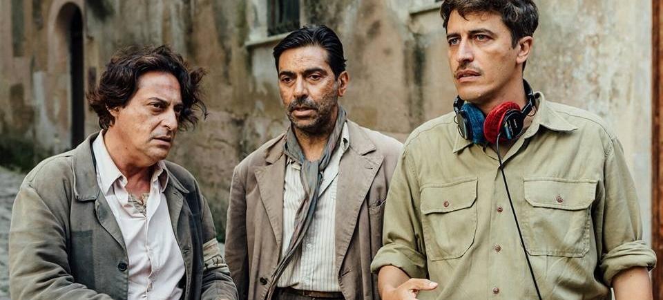 Durante le riprese del Film ambientato in Sicilia In Guerra Per Amore